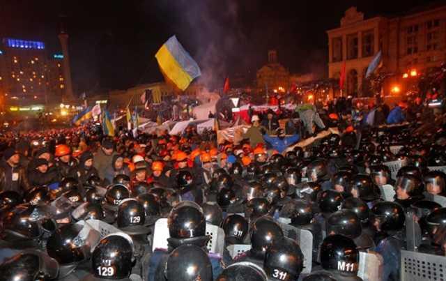 Луценко: Майдан штурмовали по приказу Януковича после разговора с Путиным