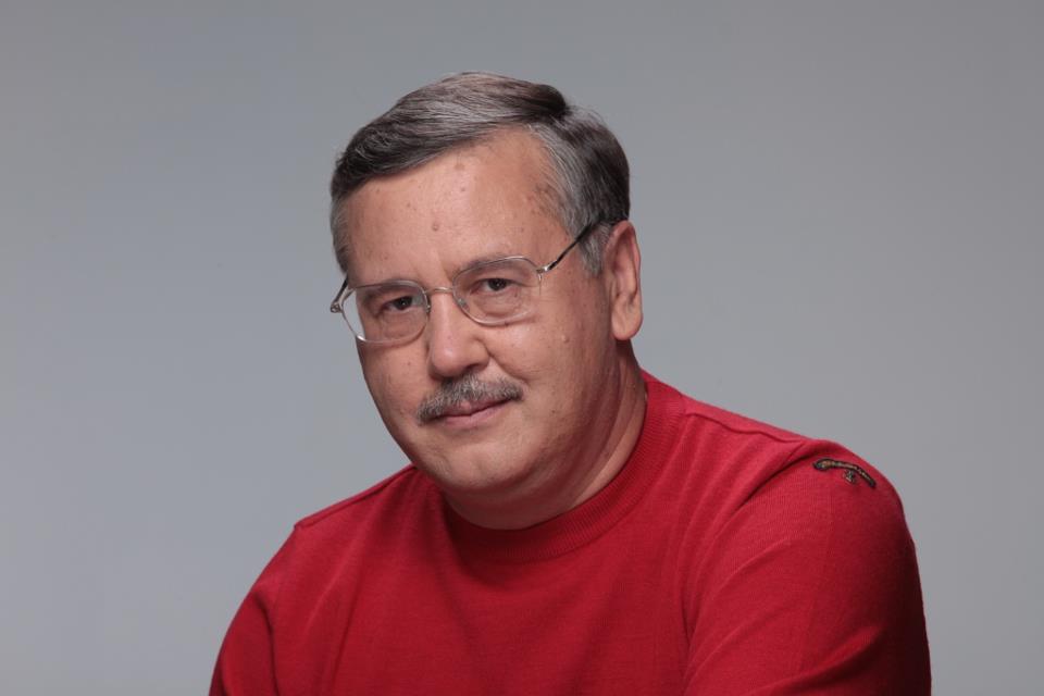 Анатолій Гриценко звернувся до українців: Зафіксуйте прізвища тих флюгерів і більше ніколи їх не слухайте