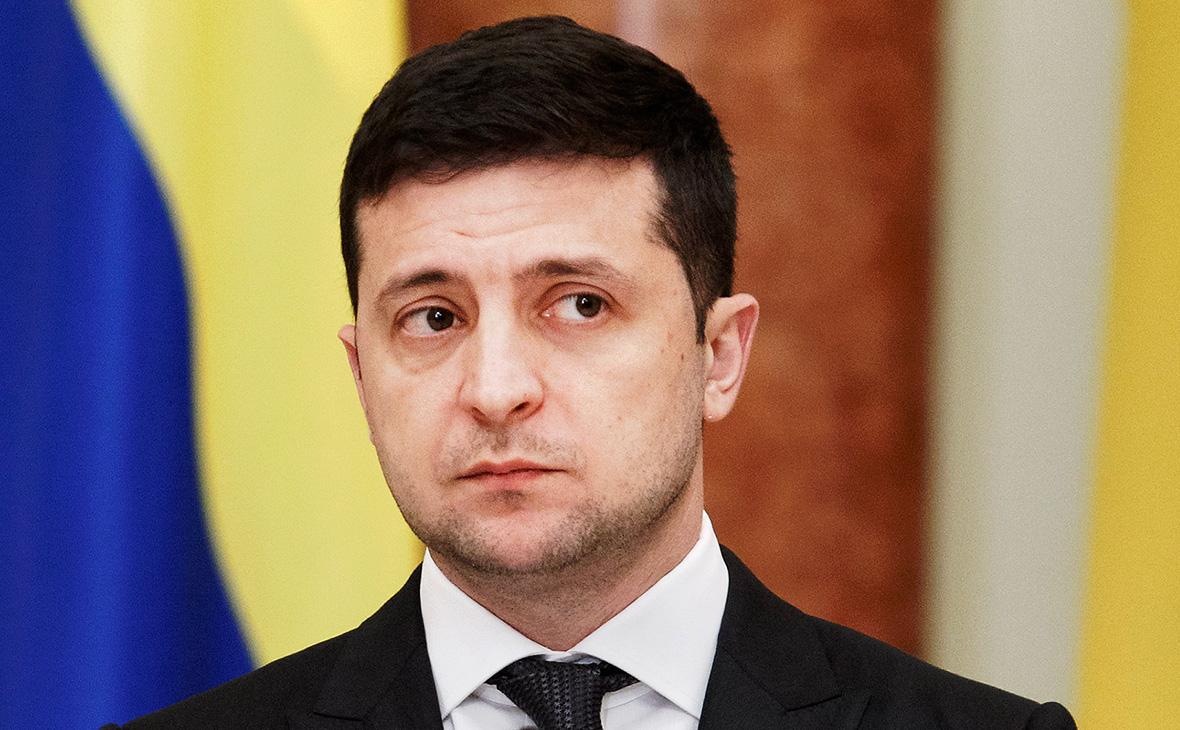 Суд обязал Зеленского говорить на украинском