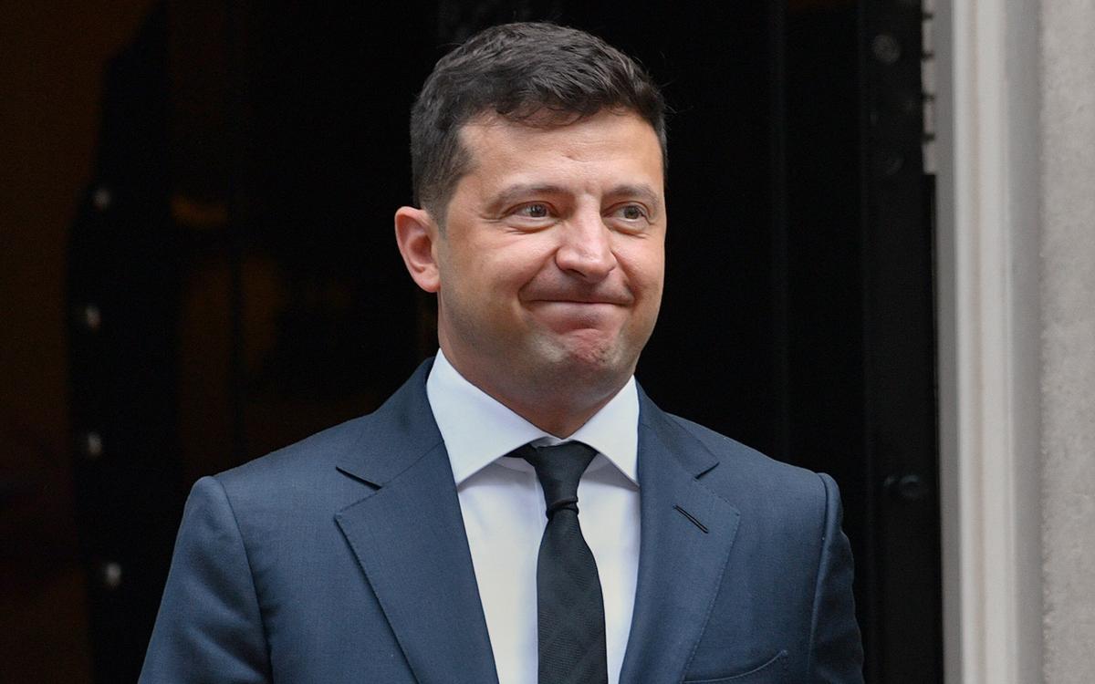 Рейтинг Зеленского падает быстрее чем у остальных — эксперт